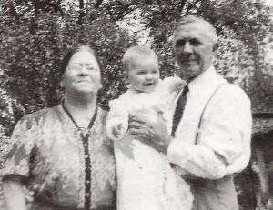 Hillary Rodham with her Welsh grandmother Hannah Jones Rodham and immigrant English grandfather Hugh Rodham, Sr.