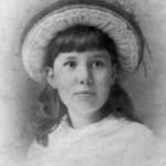 Never-seen little Nell Arthur.